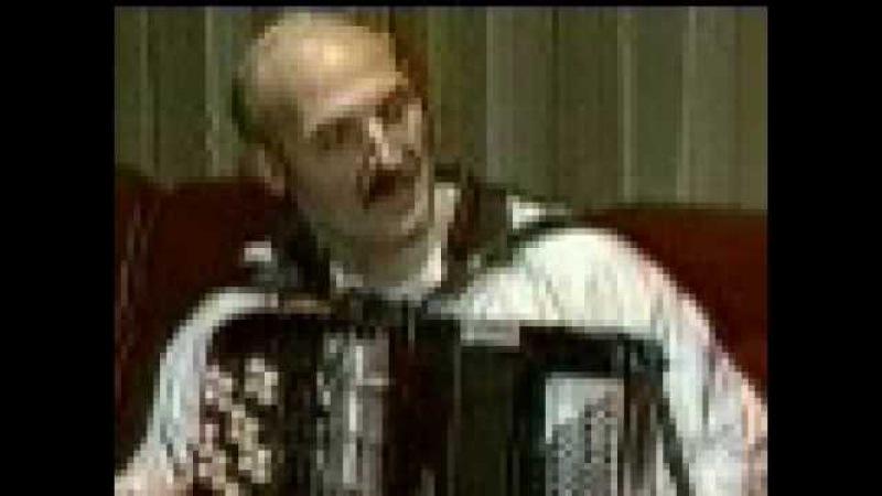 Lukashenko plays the accordion-Лукашенко играет на баяне