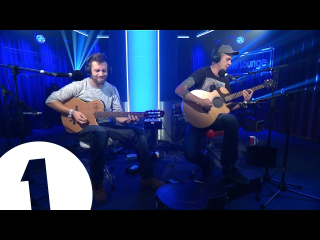 The Showhawk Duo play Dance Classics on Acoustic Guitar