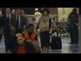 Multi-Millionaire Jessica Alba Keeps Covered Up Returning To Los Angeles
