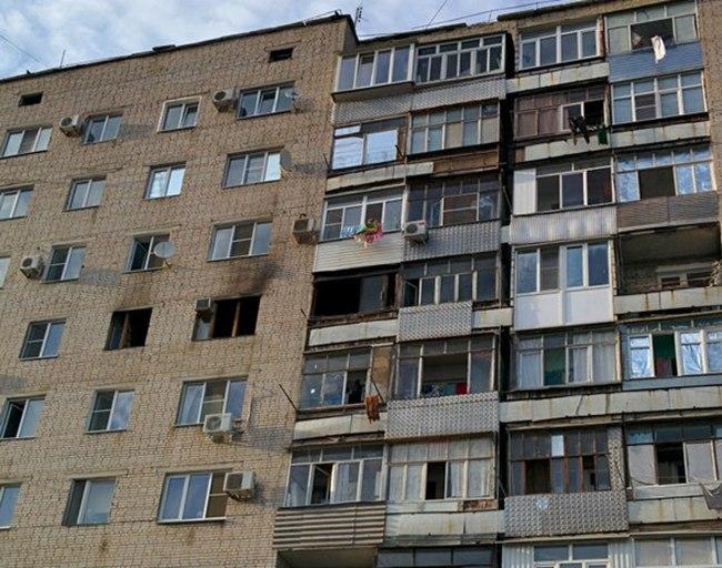 В Таганроге при пожаре в девятиэтажке погибла пожилая женщина, спасено 20 человек