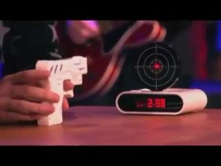 Будильник пистолет с мишенью и лазерным пистолетом