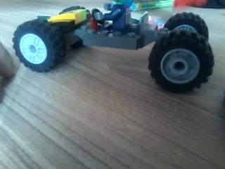 Как сделать машину из разных Лего.
