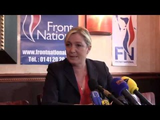 Crise grecque : point presse de Marine Le Pen