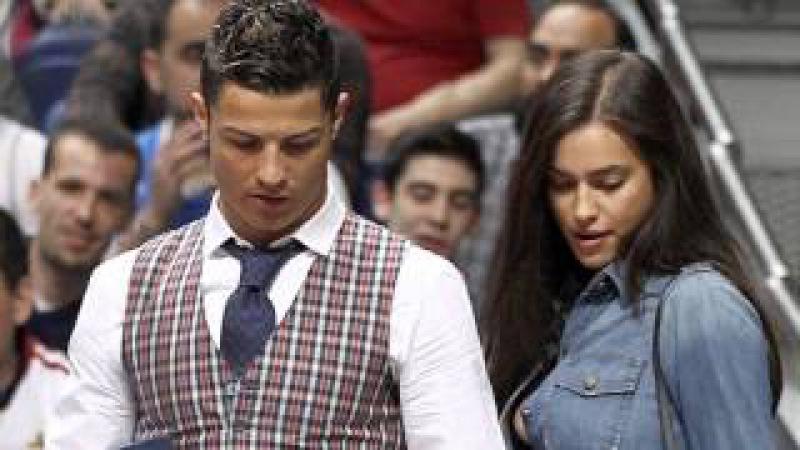 Irina Shayk Cristiano Ronaldo - Loving Couple