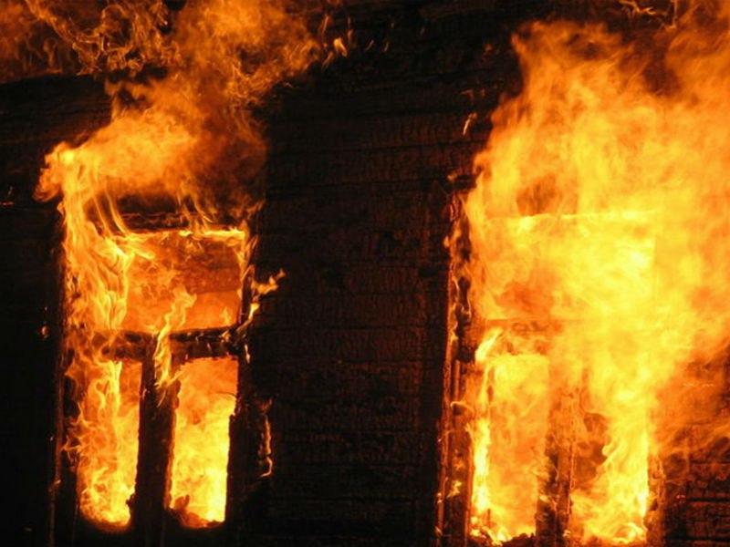 Под Таганрогом на пожаре погибла пенсионерка