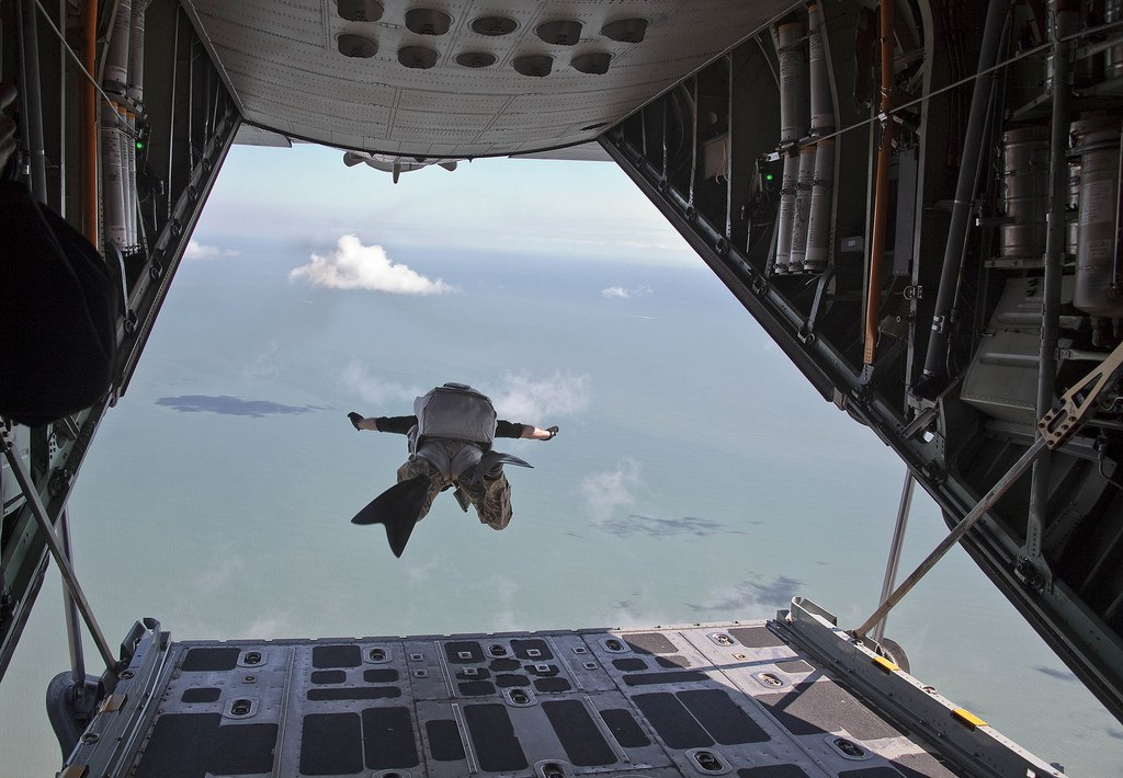 US Air Force - USAF - Page 4 BVg3rTJPxkU