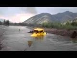 Трактор к 700 в брод через реку