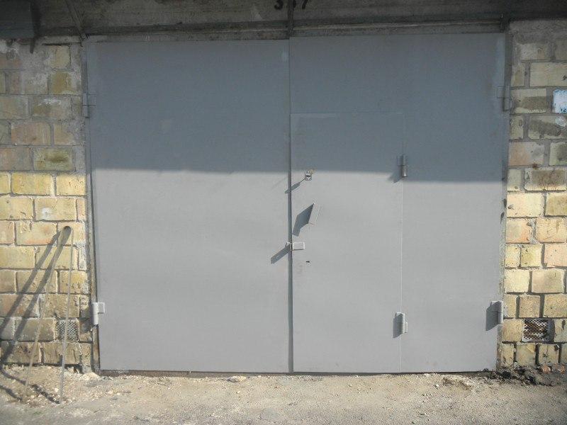 Покраска гаражных ворот своими руками 64