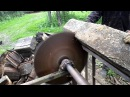 Самодельная пила на трактор Т 40АМ пилим сырые шпалы