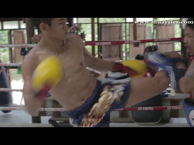 Muay Thai Training Sangmanee Sor Tienpo training at 13 Coins Gym Bangkok 24th March 2015
