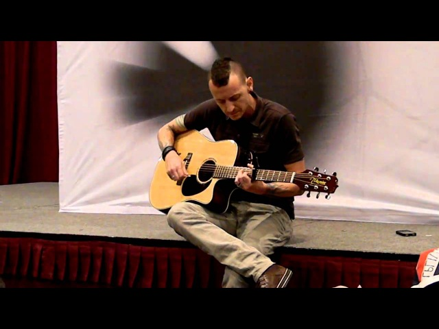 Linkin Park - Sydney Summit - The Messenger - Acoustic Version