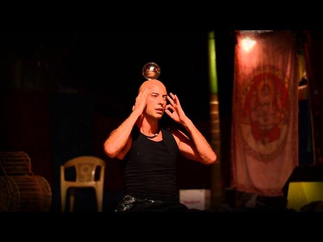 Кристиан Джиоти из Франции (чудеса с шарами). Illusionist Kristian Jyoti. Crystal Ball.