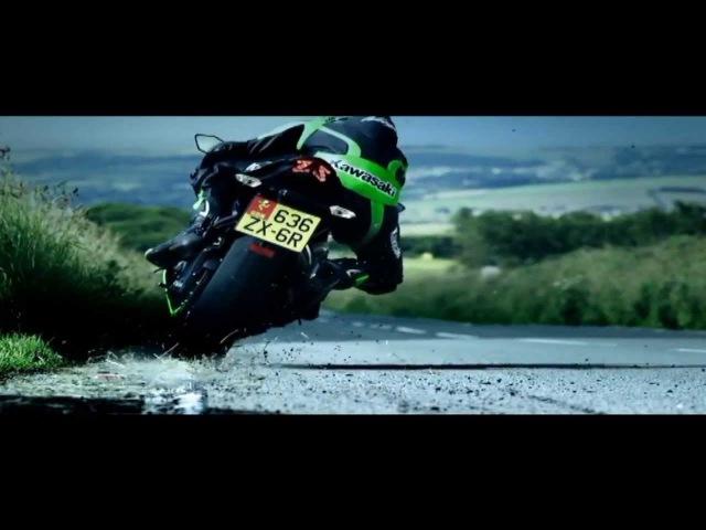 Трюки на мотоциклах 10 фотография