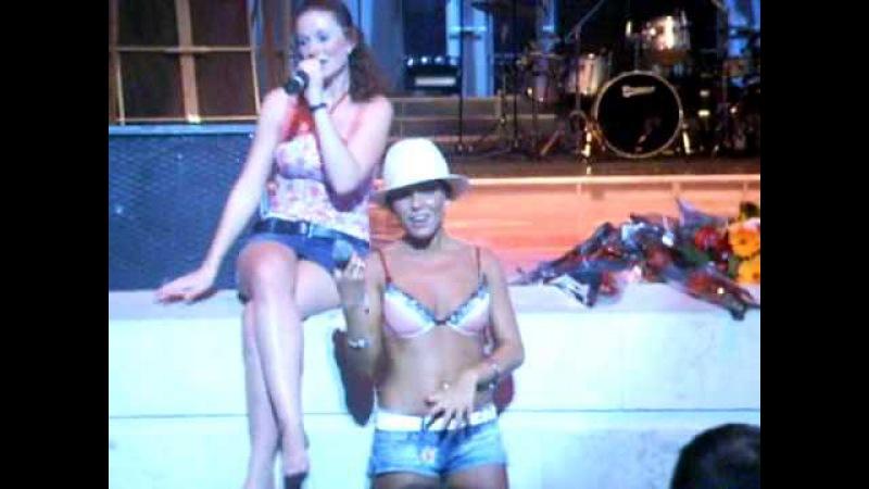 T.A.T.u. - Polchasa Live In Sochi, Russia 04.08.2006