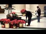Рождественское чудо с живым пианино