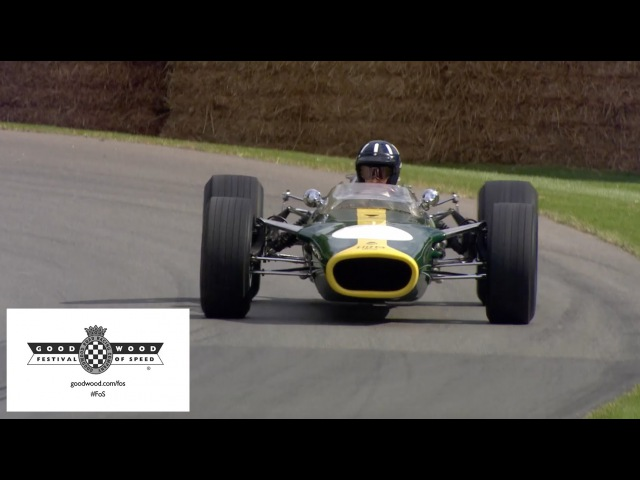 F1 Champion Damon Hill drives his father's Lotus at Goodwood (2015)
