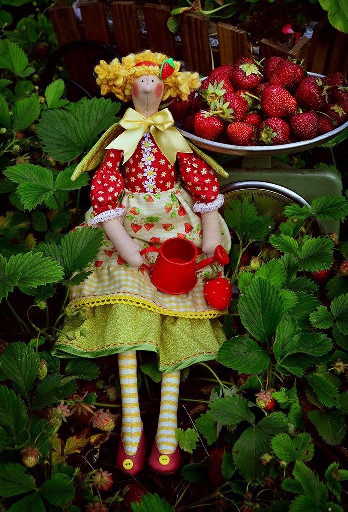 ягодная тильда