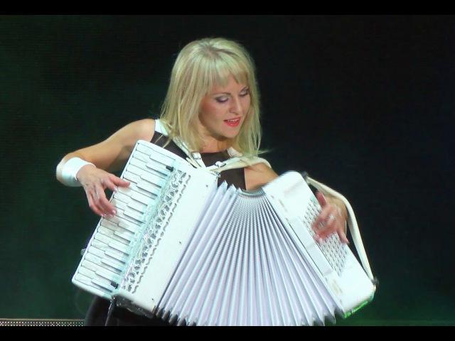 СМУГЛЯНКА-Самые красивые аккордеонистки России - дуэтЛюбАня- ACCORDION DUET LA