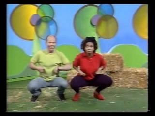 Play School - George and Trish - chicken talk