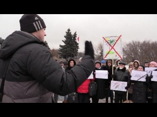 Вести.Ru: Пострадавшие от банкротств туристы вышли митинговать на Марсово поле