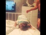 Это называется лишь бы не  спать?????я его уже уложила вроде, в своей комнате, но сына пришел к нам и устраивает анимацию????