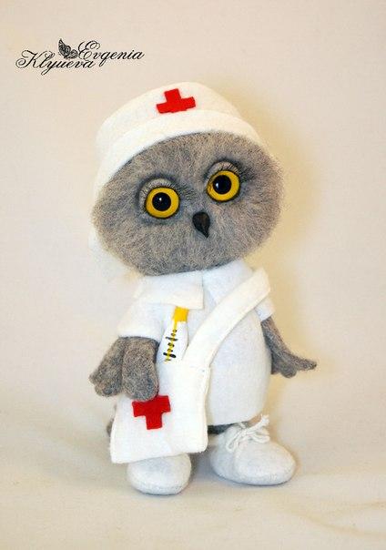 Совёнок доктор принес вам витаминки У него все атрибуты медработника: одет в медицинский халат, шапо… (2 фото) - картинка