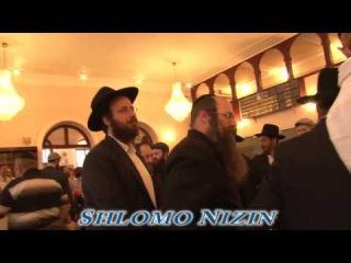 Shlomo Nizin performing in Chabad Odessa 5774