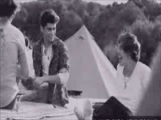 Selena Gomez y Harry Styles (Harlena) They Don´t Know About Us