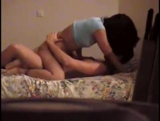 Скрытая камера: подсмотр как парень трахает молоденькую девушку студентку в анал, и п писю, школьница кончает струйным оргазмом