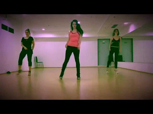7/11 Strip Dance Gogo in Prague