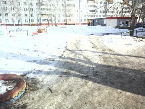 Жители Нижнекамска пожаловались в «Народный контроль» на отсутствие парковочных мест в городе