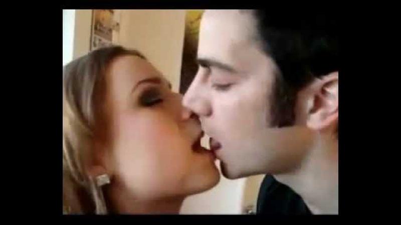 С Днём поцелуев