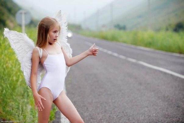 Девочки спасут мир голышом фото 642-461