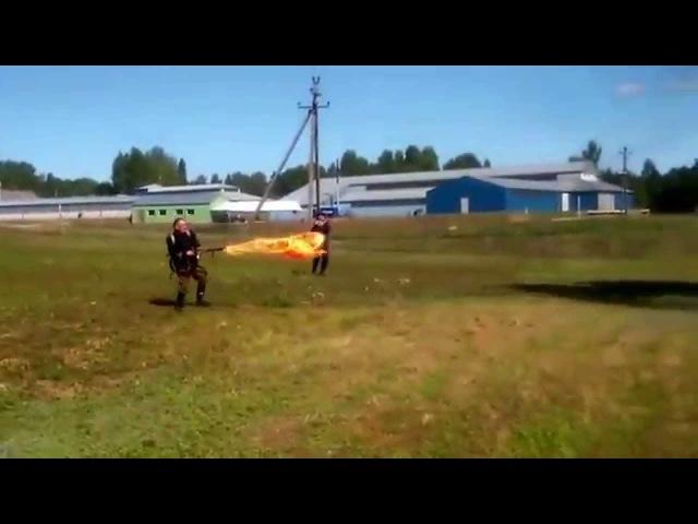 FmW 41 Flammenwerfer shooting. Немецкий ранцевый огнемёт в действии