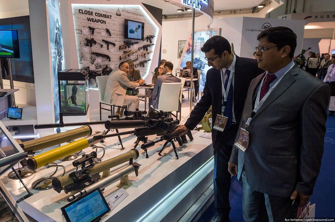 IDEX 2015 - International Defence Exhibition  O0SPTnhSMIA