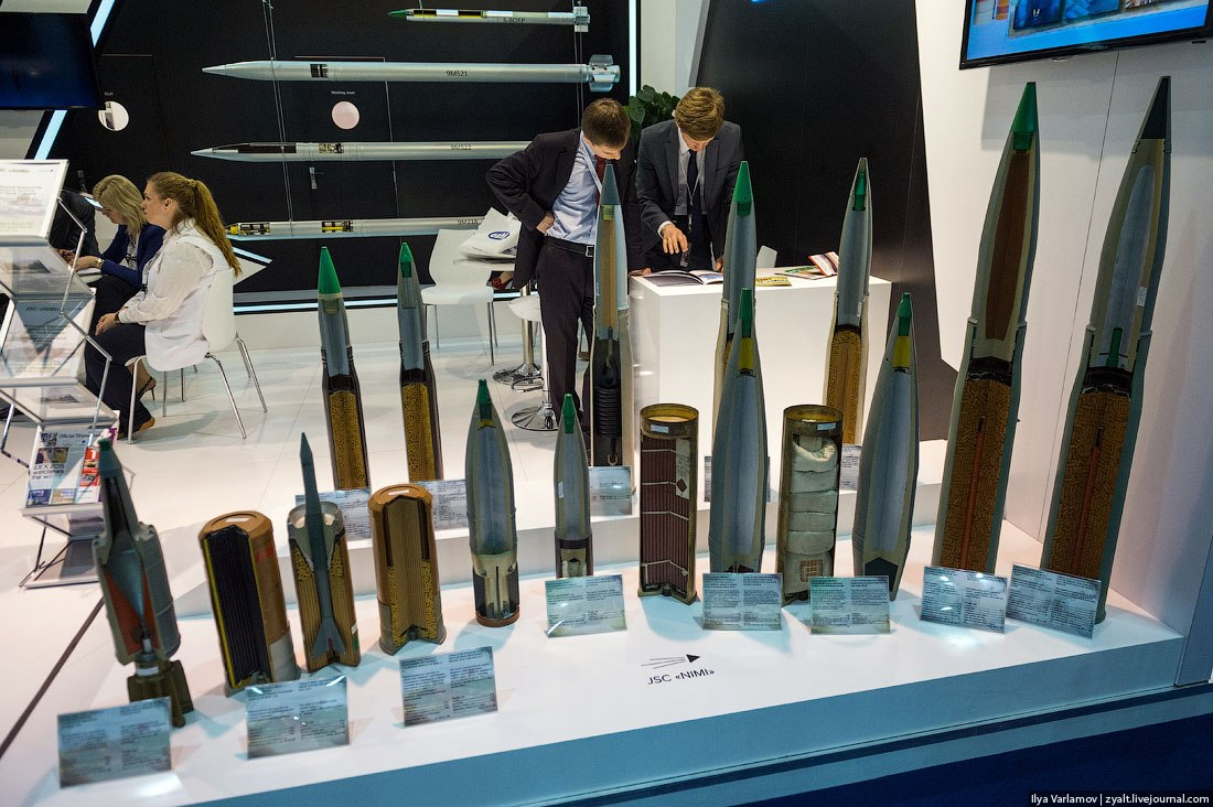 IDEX 2015 - International Defence Exhibition  9pOvUbZKjVA