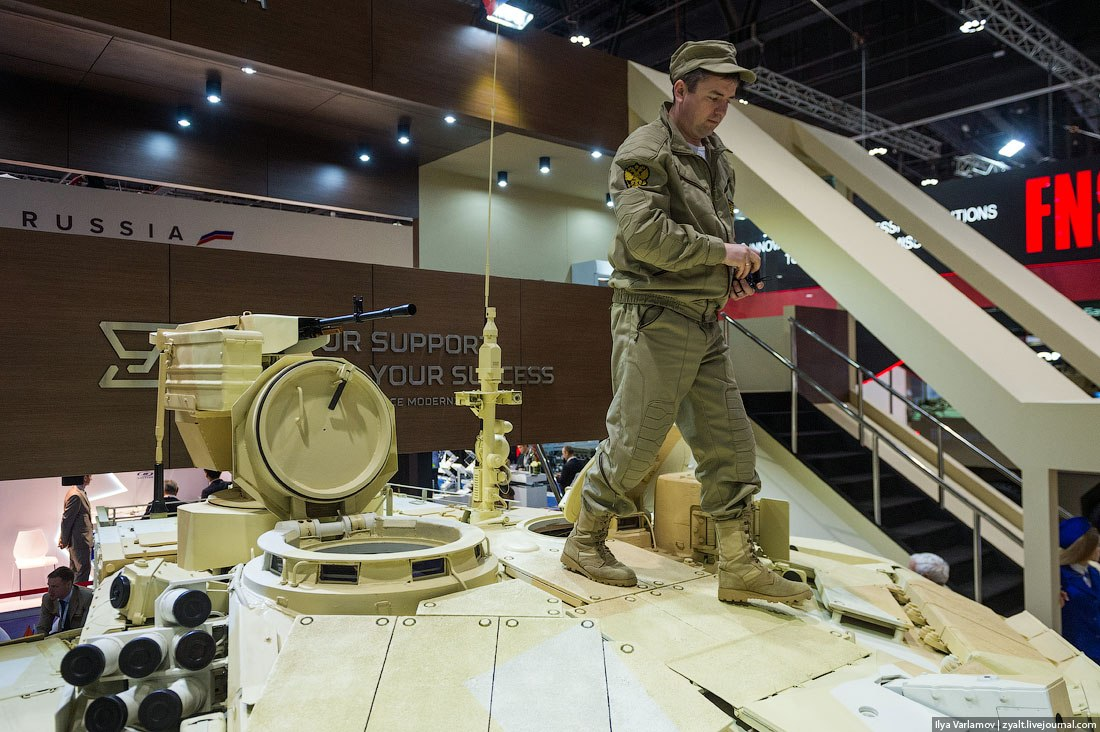 IDEX 2015 - International Defence Exhibition  Q4894ImLX_M