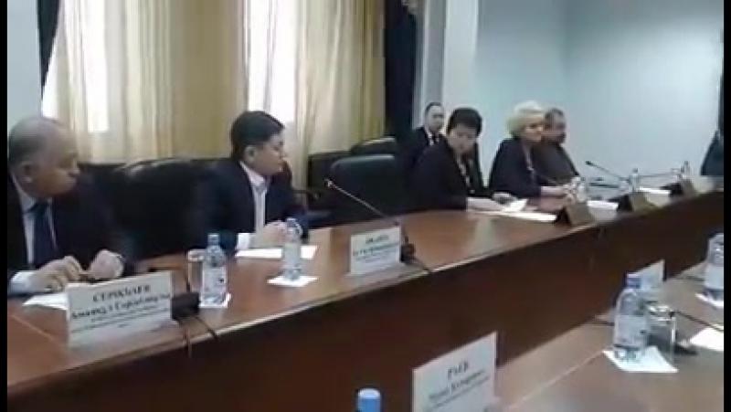 На заседании ЦИК РК юрист ОСДП Талгат Омаров призвал СМИ воздерживаться от статей побуждающей голосовать против какой либо парти