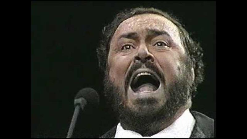 Luciano Pavarotti. 1987. La donna è mobile. Madison Square Garden. New York