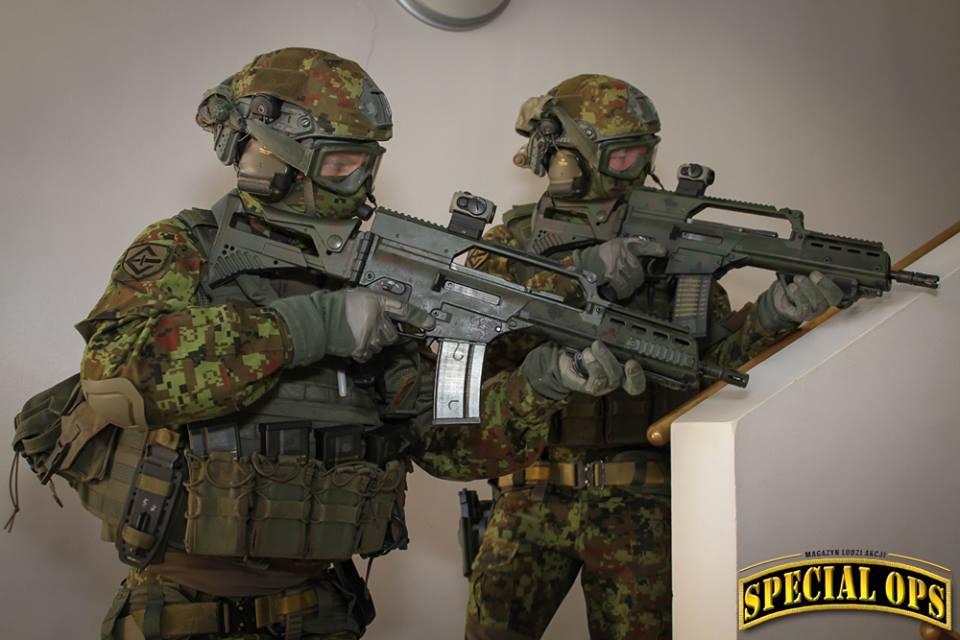 Armée Estonienne/Estonian Army - Page 2 DYRJeG0yrwE