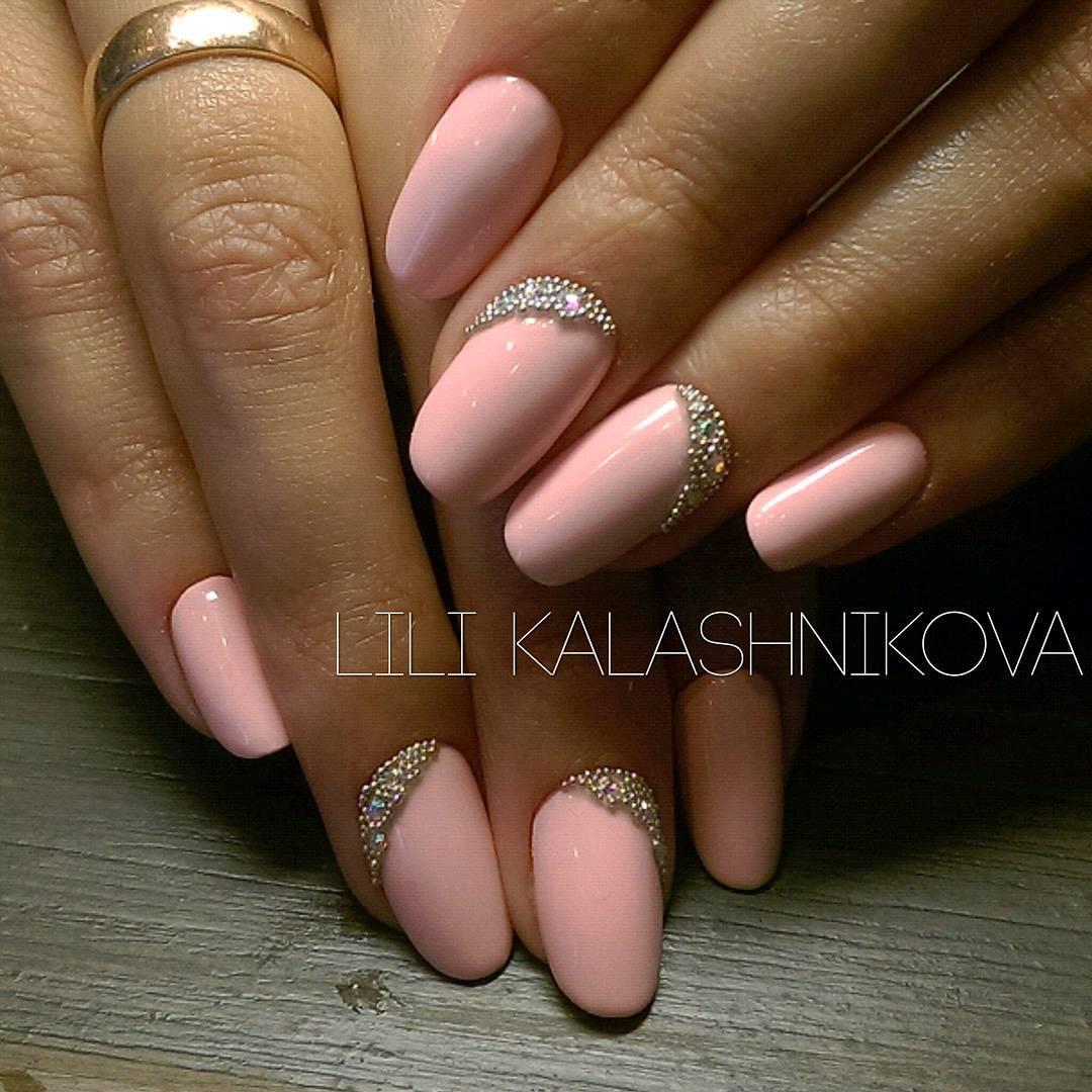 Наращивание ногтей в персиковом цвете фото