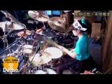 Это 15-летняя девочка знает, как играть на барабанах