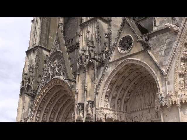 Франция 2013 03 Бурж (собор Святого Стефана, дворец Жака Кёра), вечерний город Лош