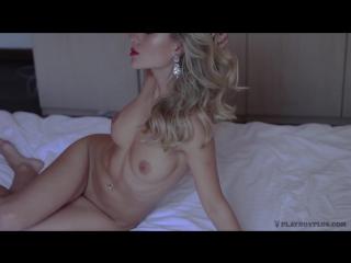 foto-video-devchonki-masturbiruyut-volosatuyu-pizdenku