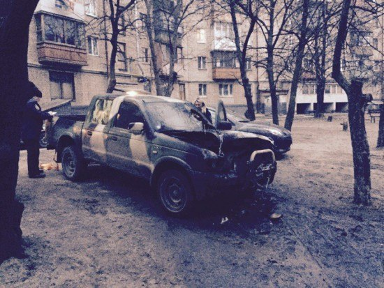 """В Харькове сожгли автомобиль """"Східного корпусу"""""""