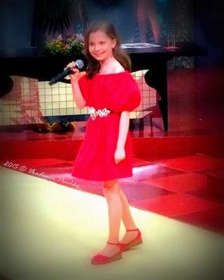 Алиса кожикина в платье