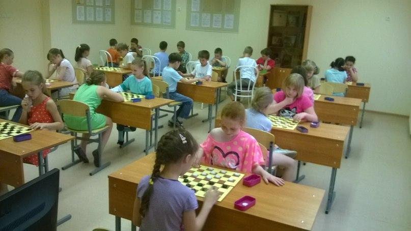 Первенство по шашкам в детском летнем лагере, школа №587