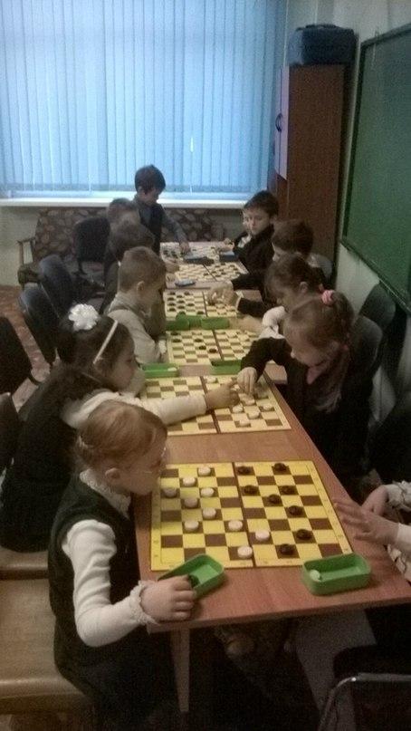 Турнир по шашкам в школе №444