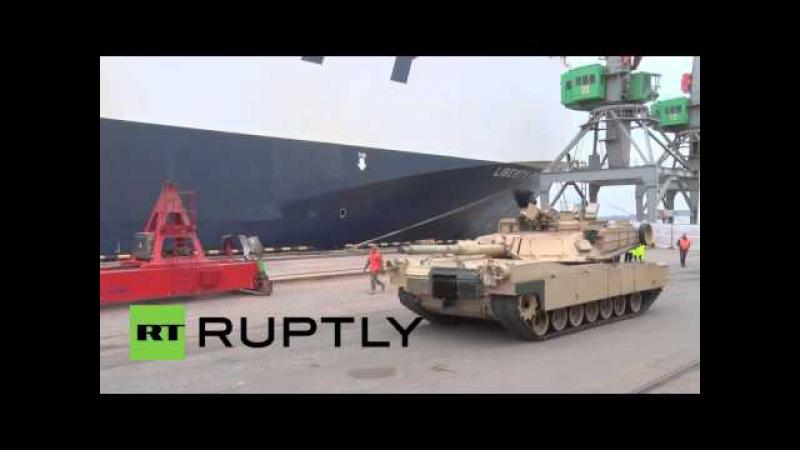NATO lässt die Muskeln spielen- Über 100 US- Panzerfahrzeuge rollen in Lettland ein