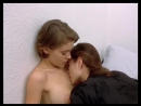 Лесби - фотосессия Алисса Милано и Шарлотта Льюис (Alyssa Milano & Charlotte Lewis - Embrace Of The Vampire (lesbian photoshoot)
